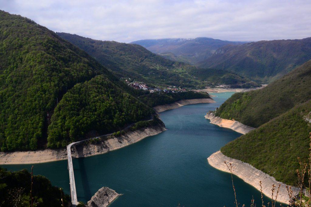 albania jezioro pivsko